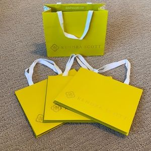 4 Kendra Scott gift bags